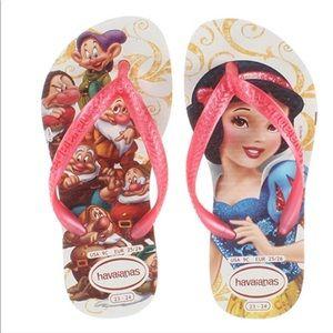 NWT Havaianas 3/4 Disney Snow White Flip Flops